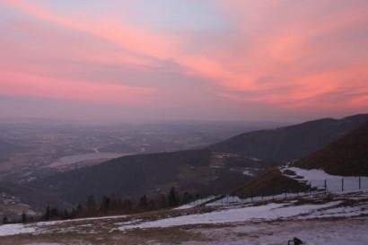 Widok na Porąbkę przed wschodem Słońca