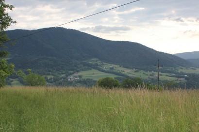 Widok na Szczebel z Kasinki Małej