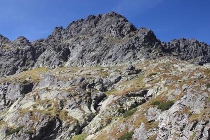 Świnica widziana ze szlaku na Przełęcz Zawrat