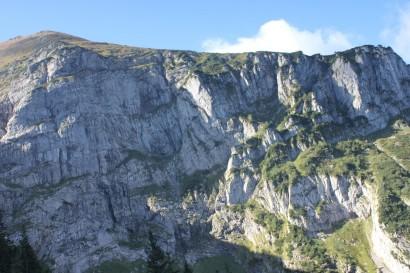 Zbocza Małołączniaka ze szlaku przez Kobylarzowy Żleb